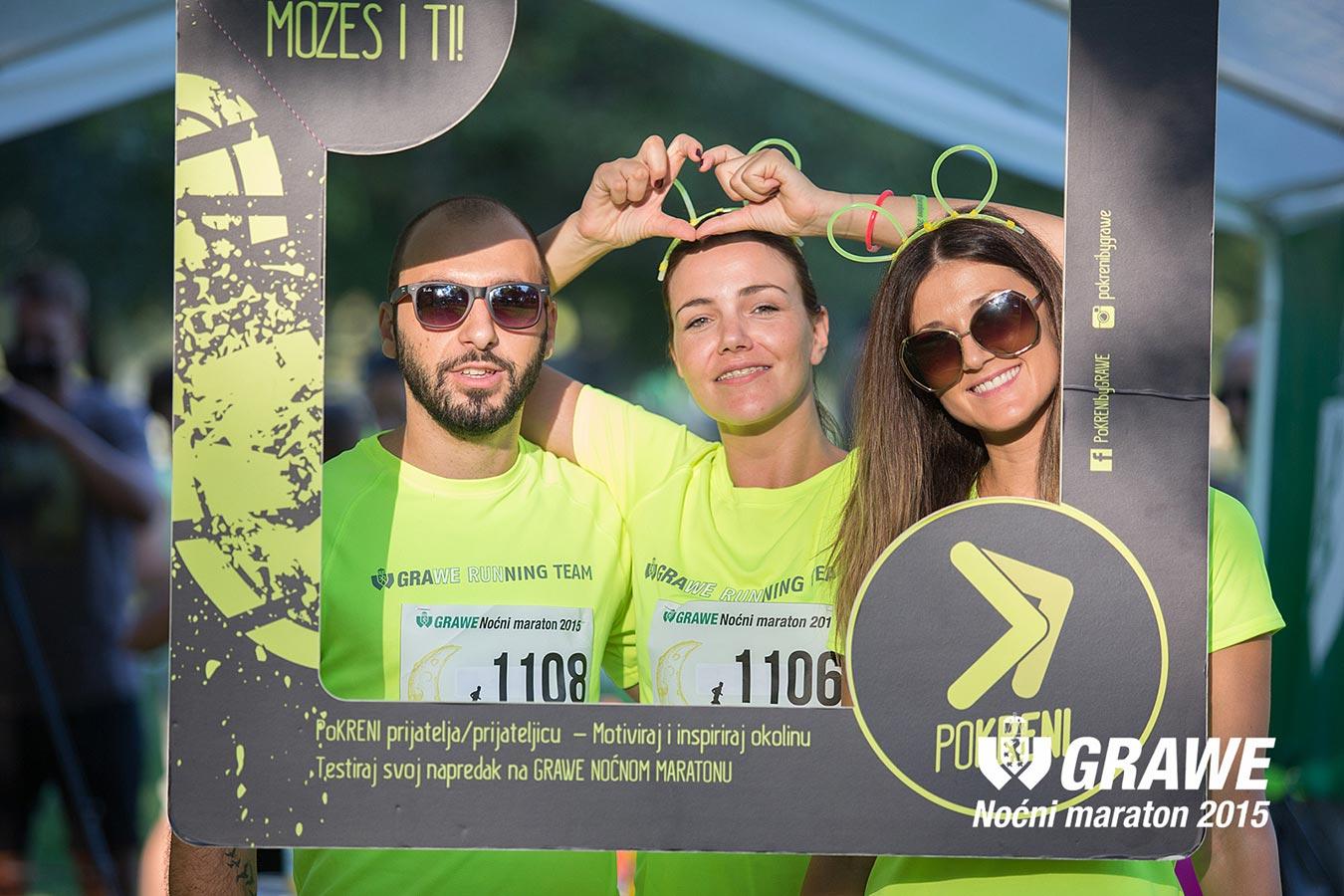 GRAWE RUNNING TEAM na tronu GRAWE noćnog maratona 2015.